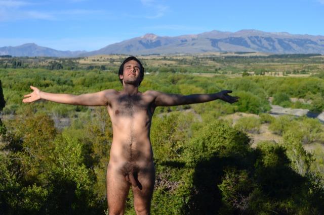 La natura era nuda, e lo ero anch'io