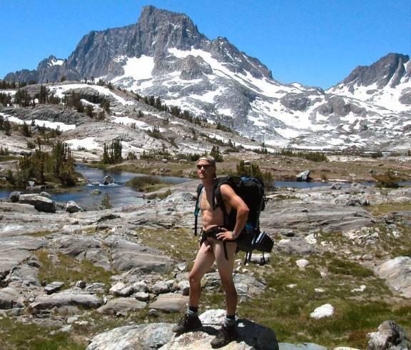 Trekking nudista
