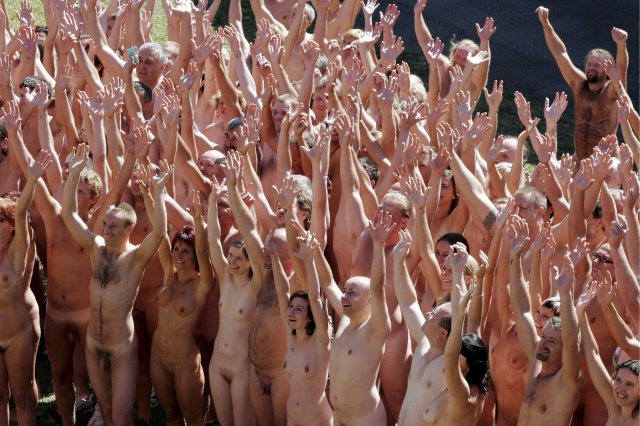 Un gruppo di nudisti
