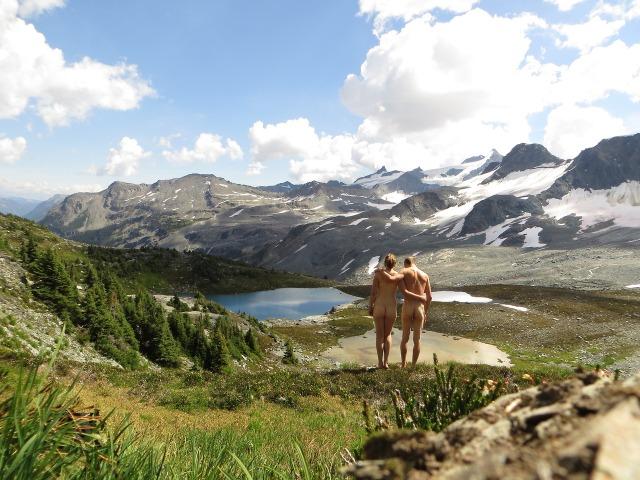 Nudi sulle montagne