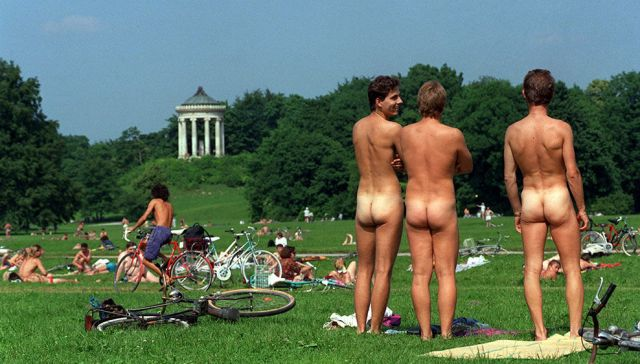 Nudismo all'Englischer Garten