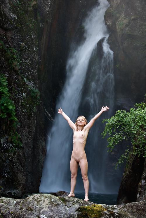 Viva la nudità!