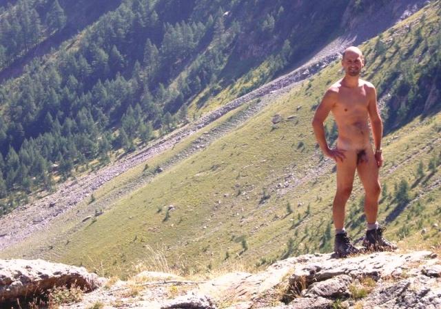 Escursionismo nudista